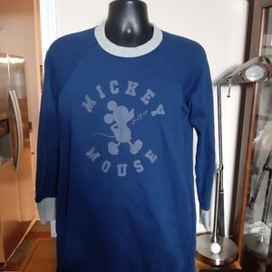 Disney mickey Mouse Long sleeve Sweater size M